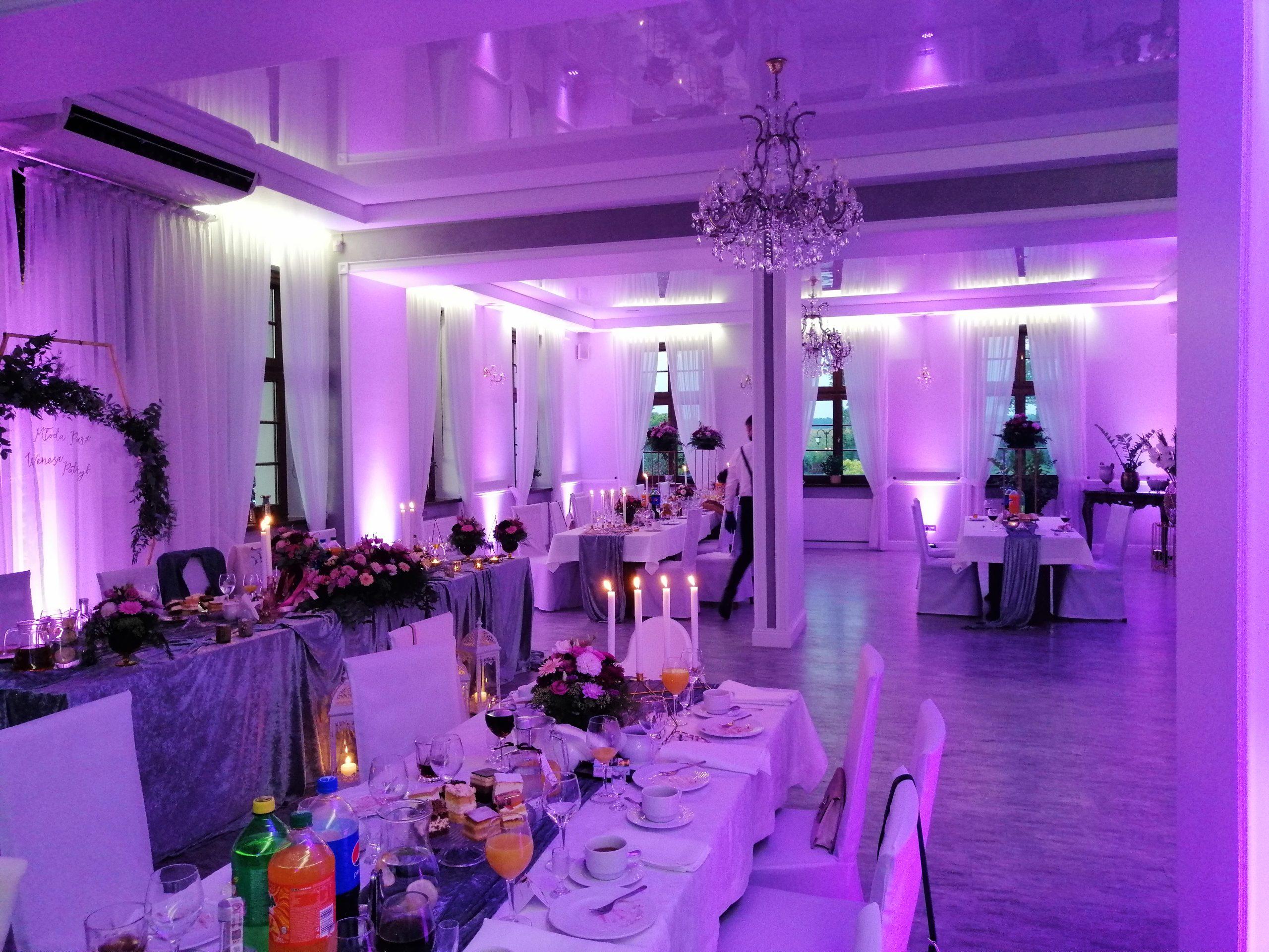 oświetlenie sali weselnej